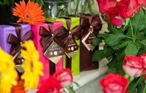 """שוקולד מתנה בפרחים תמר ראשל""""צ"""