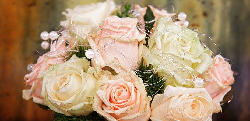 סידור ורדים ורודים