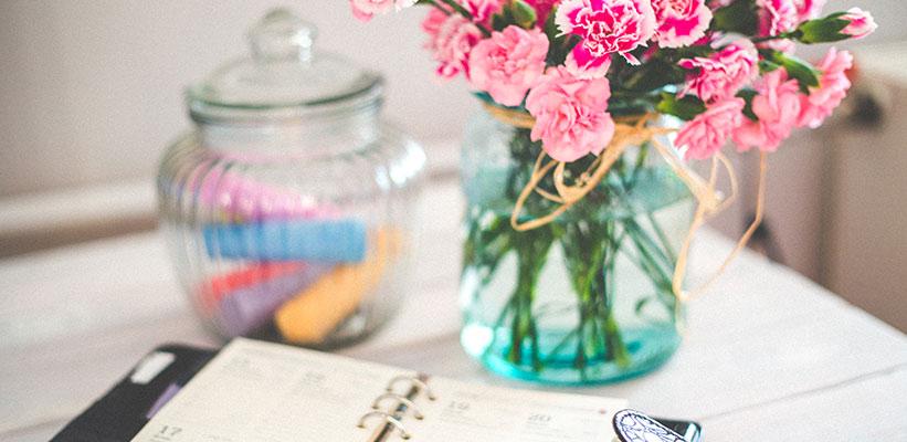 סידור פרחים בצנצנת
