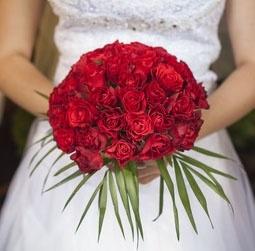 זר כלה ורדים אדומים