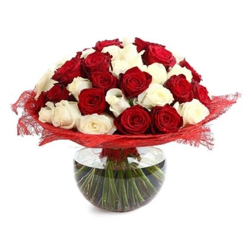 זר אדום לבן - משלוחי פרחים בראשן לציון