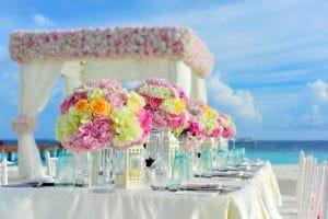 עיצוב פרחים לחתונה בים